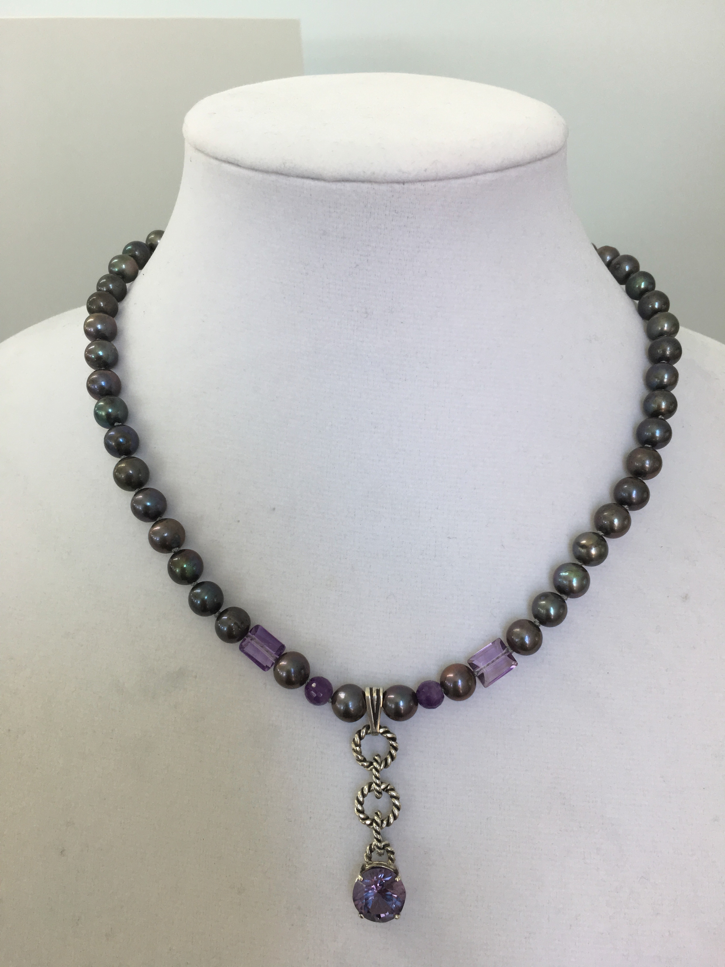 Sterling Silver Necklace w/Freshwater 8mm pearls, emerald shape amethyst & a Amethyst S.S. Pendant