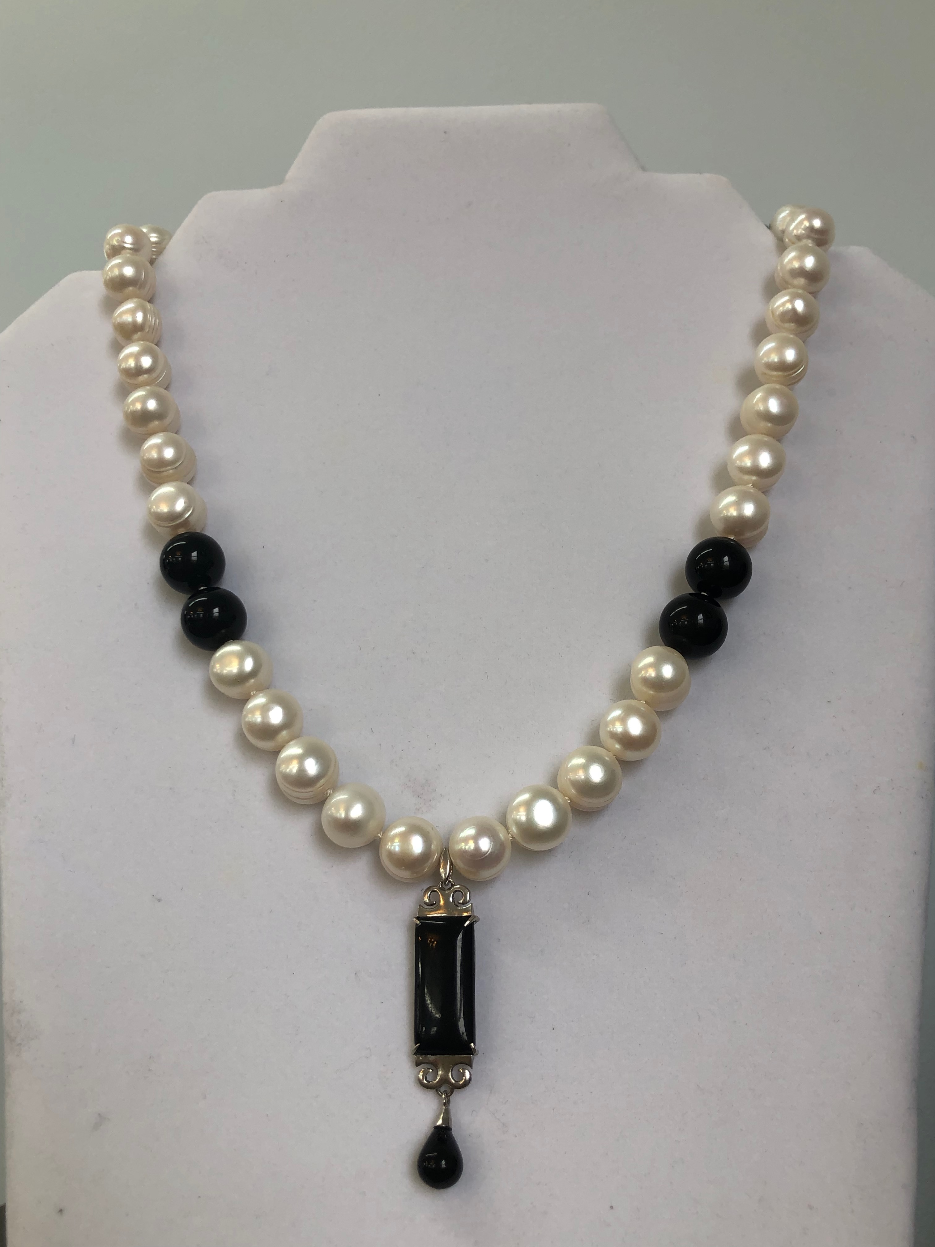 Freshwater 12mm Pearls w/12mm Black Onyx Necklace w/Sterling Silver & Onyx Pendant